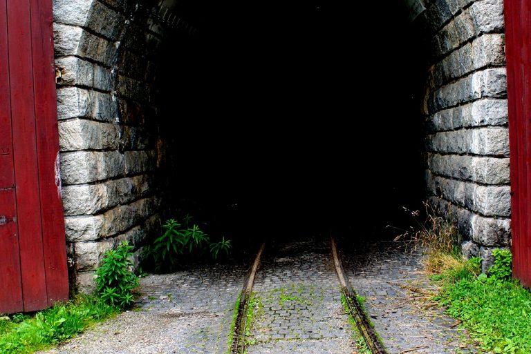 zeleznicna vlecka tunel slovensko